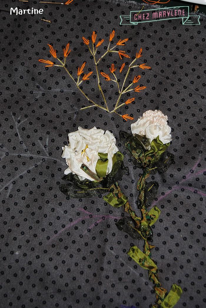 fleurs roses brodées (2)