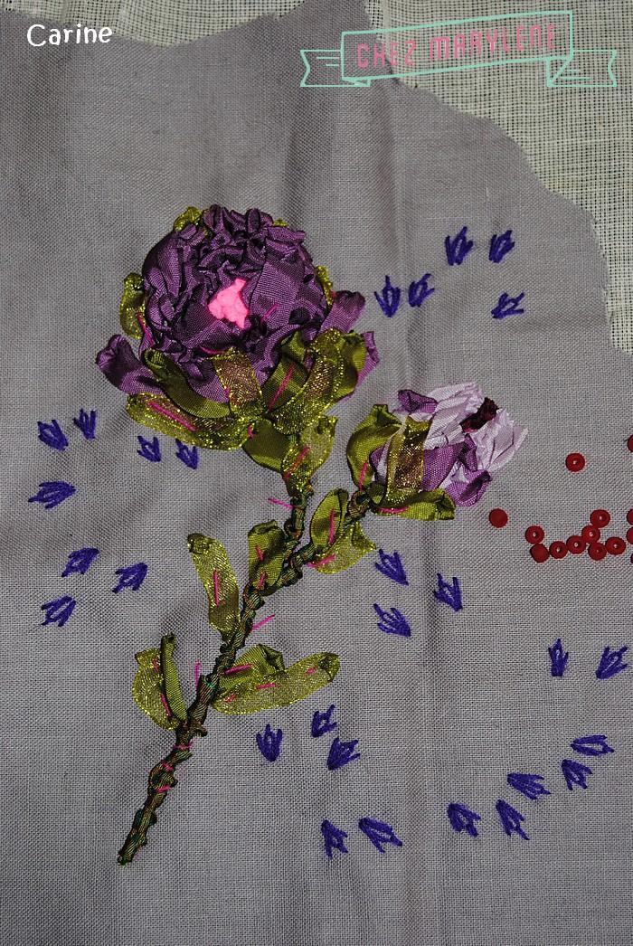 fleurs roses brodées (4)