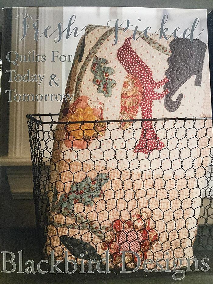 oreillers gratuits.fesch-piched-blackbird-designs-1